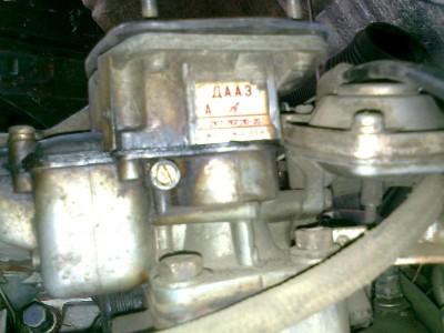 VW с двигателем от Москвича. :-  - карб.JPG