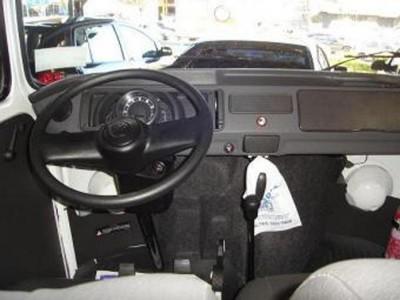 VW с двигателем от Москвича. :-  - Brazilian-Watercooled-Kombi-Interior.jpg