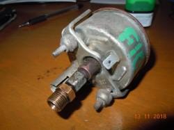 Прибор давления масла Volvo TRUCK F10 1977-1994;TRUCK F12 1977-1994 под покраску  - DSCN7500.JPG