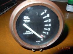 Прибор давления масла Volvo TRUCK F10 1977-1994;TRUCK F12 1977-1994 под покраску  - DSCN7502.JPG